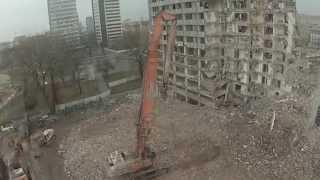 Wyburzanie Hotelu Centrum w Łodzi. Film z powietrza.