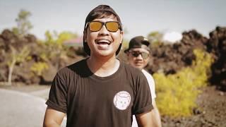 Choky Umasangadji ft Alan Darmawan - Nona Baju Merah (Official Video) 2019