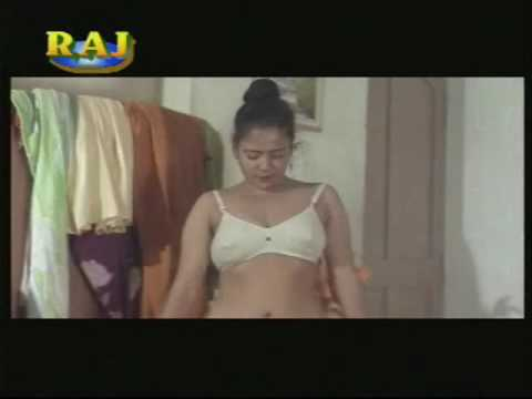 bollywood sexy and dream girl of bollywood sex with all mans and kissing and videos thumbnail
