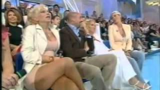 Carmen Russo Senza Mutande.mp4