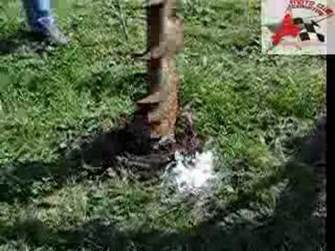 Come piantare i pali di sostegno di una recinzione | Giardino