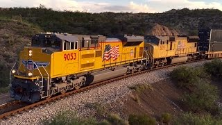 [HD] An awesome 10 Locomotive lashup, BRAND NEW UP 9053, CSX, NS and FXE through Southern Arizona!