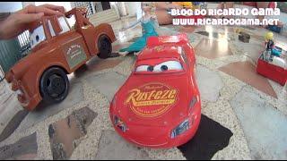Caminhão Mate  do filme Carros (Cars) Relâmpago McQueen em coragem e segurança !