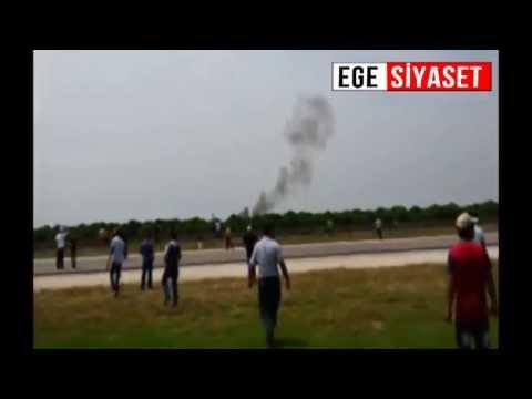 Adana'da gösteri uçağı düştü: 1 ölü
