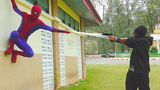 SPIDERMAN Fights Crime   Real Life Parkour POV Chase