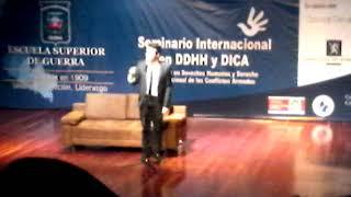 Seminario Internacional en DDHH y DICA Humor con polilla2