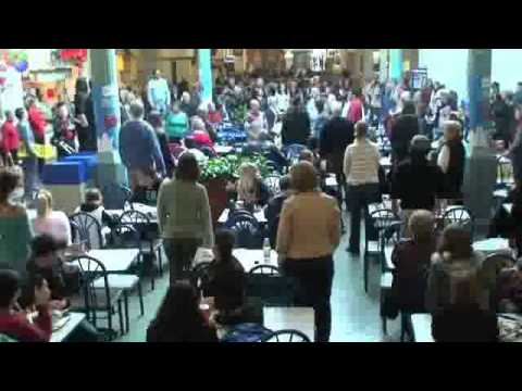 Flash Mob Surprises Everyone By Singing Hallelujah In The Food Court Youtube