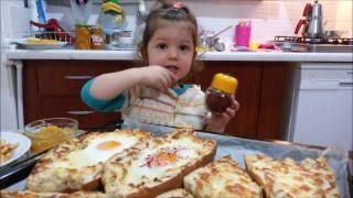 Bayat ekmeklerden pide yapımı / kaşarlı kıymalı pide / Bayat Ekmek Pidesi Tarifi