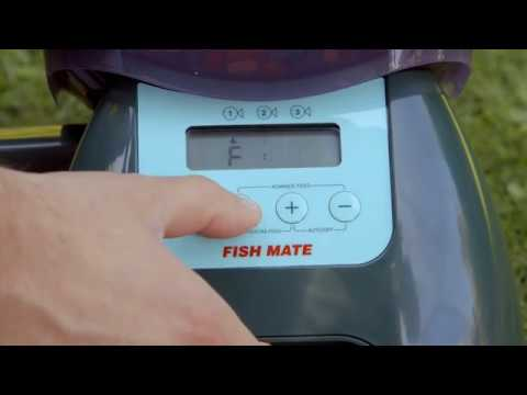Fish Mate P7000 Fish Feeder In Action
