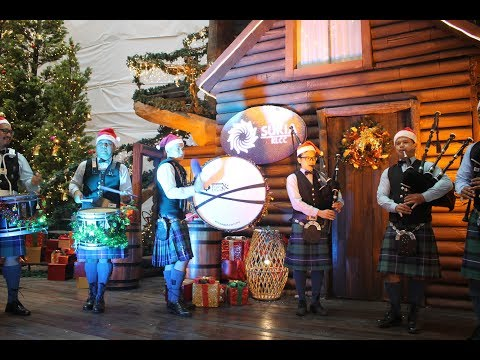 Kuala Lumpur Pipes & Drums (Scottish Bagpipes!) Perform for Christmas