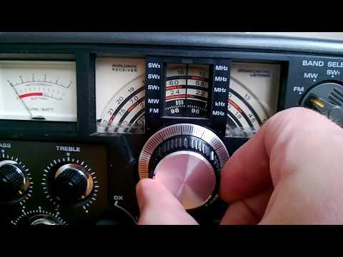 Aimor TR-105 vintage boombox shortwave receiver (AKA Hitachi KH-2200).