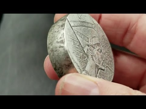 2017 5 oz Egyptian Nefertiti Silver Coin: WARNING: Unsafe With Blade