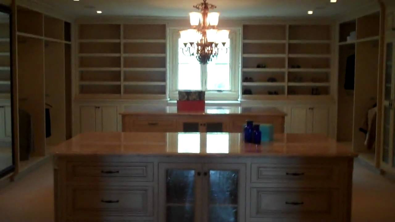 Biggest closet in the world beverly hills real estate for Best walk in closets in the world