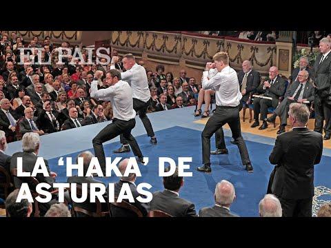 Los All Blacks celebran el premio Princesa de Asturias con una 'haka' en el escenario | Cultura