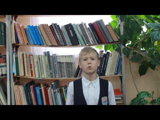 Изображение предпросмотра прочтения – КириллВологжанин читает отрывок изпроизведения «Братские могилы» В.С.Высоцкого