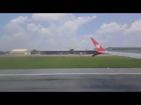 Boeing 737 MAX 9 take-off
