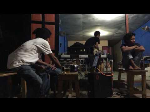 Dangdut - dosa kau anggap madu ( Live karaoke )at WARKOP HOKI