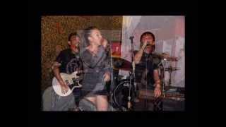 ONSE feat. Yumi Lacsamana - OURO