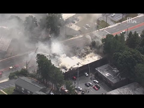 Video shows fire at apartment complex along Buford Highway