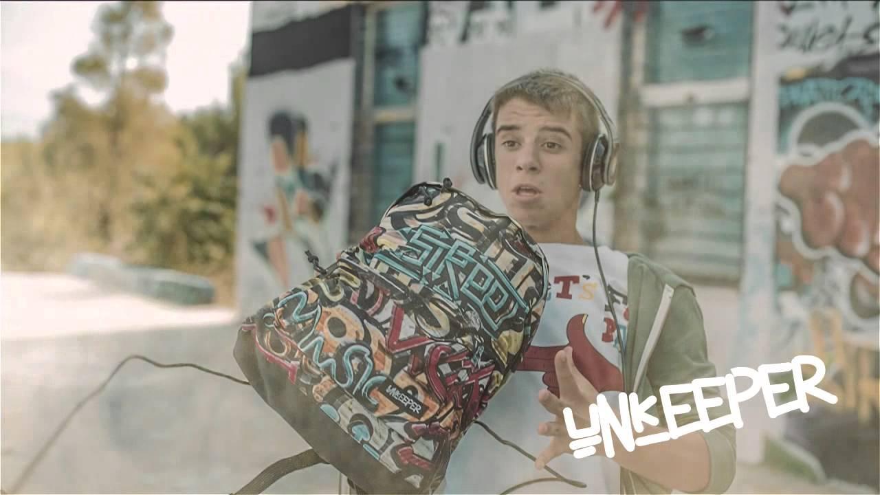 26d17c4c5b Jumbo σχολικές τσάντες εφήβων με δώρο επαγγελματικά ακουστικά - YouTube