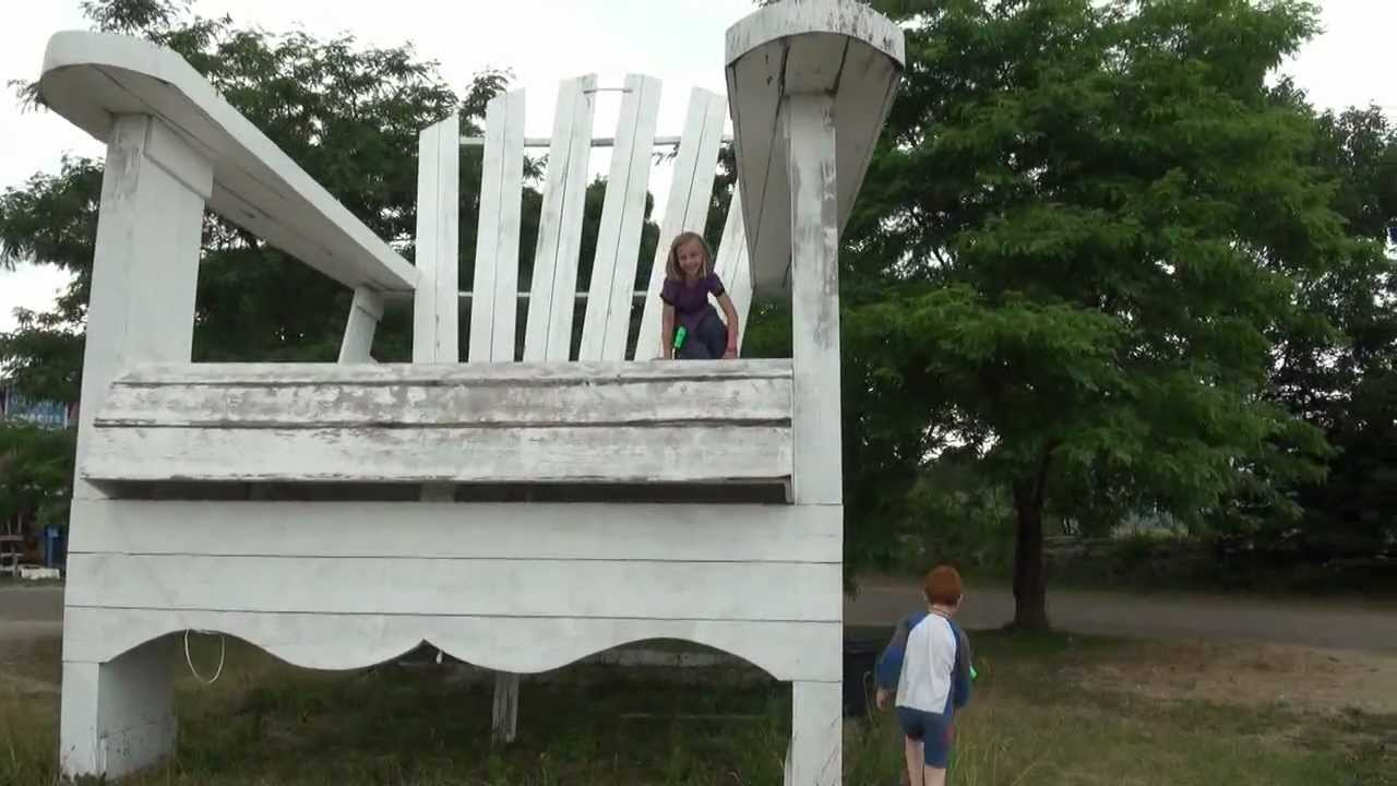 THE BIGGEST LAWN CHAIR IN THE WORLD IN Varney Ontario