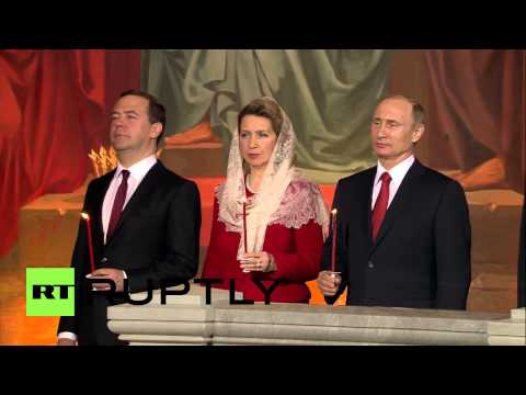 Russia: Putin, Medvedev and Sobyanin attend Orthodox Easter Mass