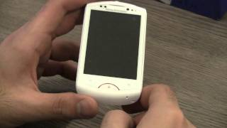 Sony Ericsson Live with Walkman Unboxing and Review