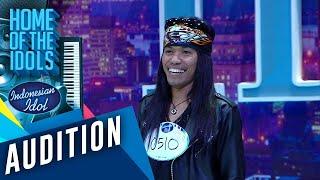 Download Datang dari Kendari, Rocker ini siap memukau para juri - AUDITION 3 - Indonesian Idol 2020