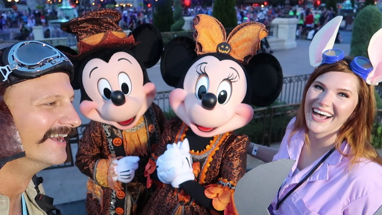 our first look at disneys mickeys not so scary halloween party 2018 media night all new food