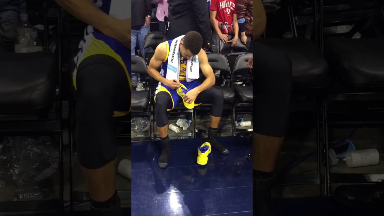 Fan Tries To Steal Signed Steph Curry Shoes From Kid Youtube