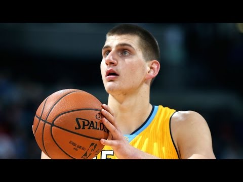 Sports Minute: Jokic looks to snap out of slump tonight in Chicago