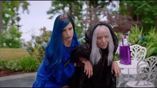 Descendants 3 Evie Helps Old Mal Clip 40