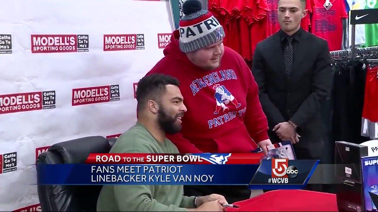 Fans meet Patriots linebacker Kyle Van Noy