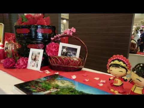 Photo Viewing Table Decoration