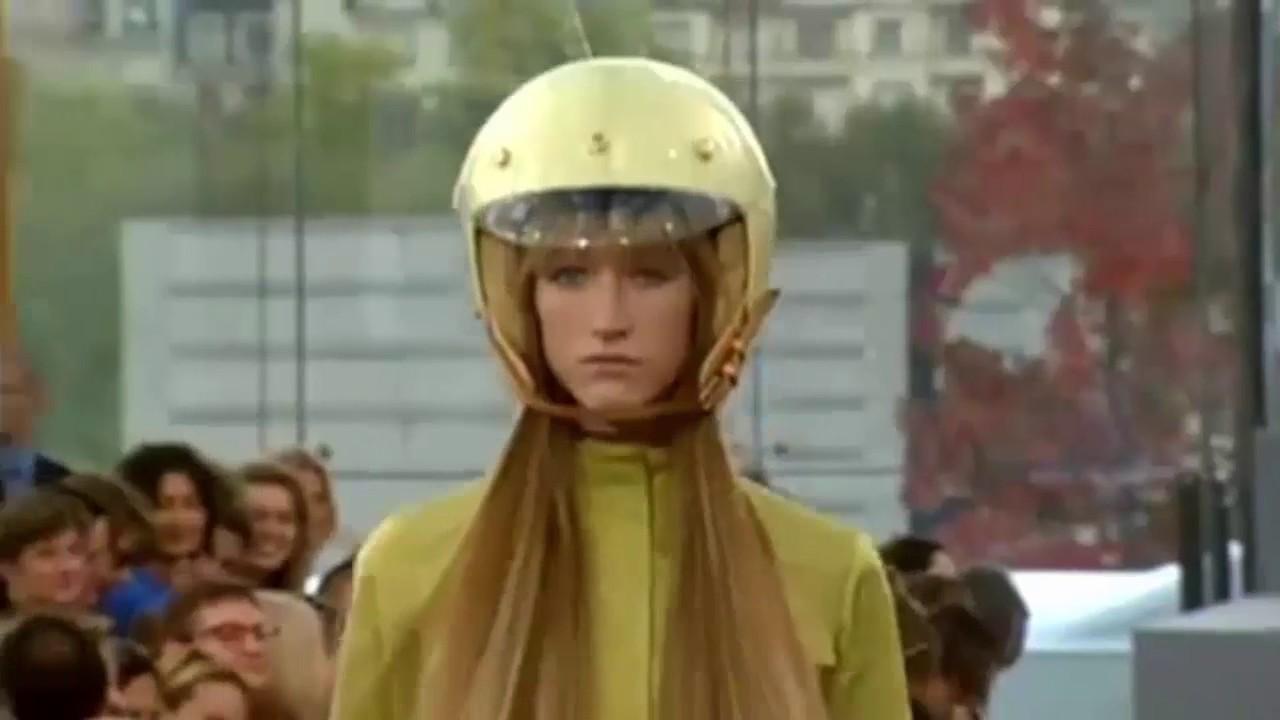 4b4891432309 Louis Vuitton Spring Summer 1999 - YouTube