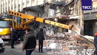 """В центре Москвы сносят торговый центр """"Пирамида"""""""