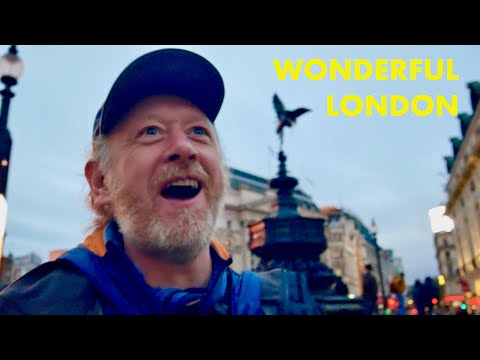 Sunday stroll through Central London - Bloomsbury Soho Piccadilly Circus (in 4K)