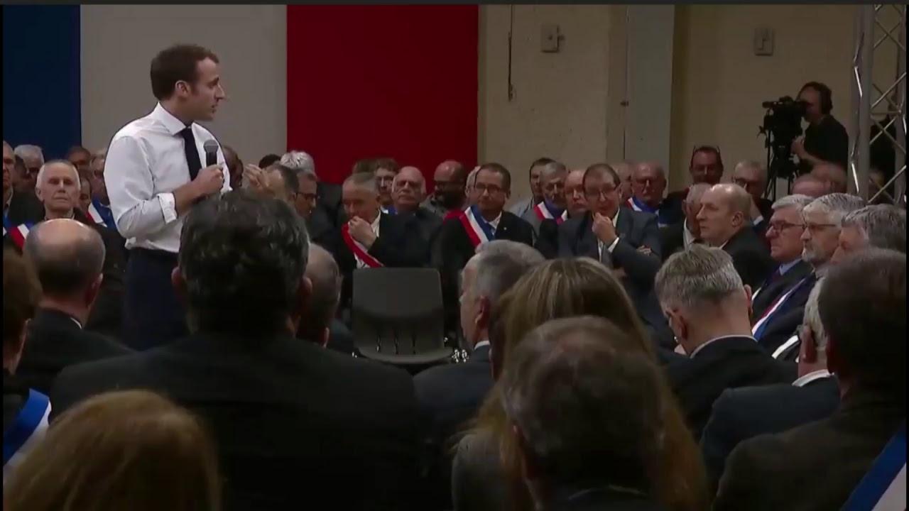 Macron à Souillac (Lot) à la rencontre de 600 maires d'Occitanie