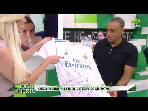 Renata Fan Recebe Camisa Autografada Pelo Real Madrid