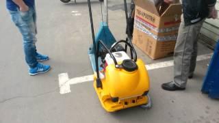 Видео как заправить и завести виброплиту (ТСС) TSS VP90TRH 207268(, 2014-05-20T07:36:10.000Z)