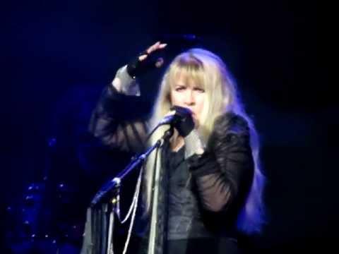 Stevie Nicks - Moonlight  (A Vampire's Dream)  9-3-2011 - Bristow,VA