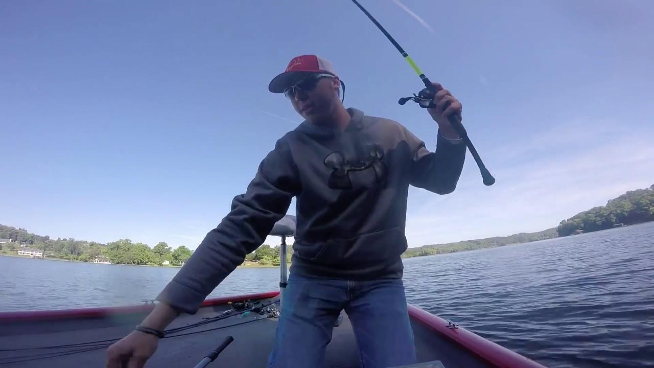 Watts bar may 2015 bass fishing youtube for Watts bar fishing report