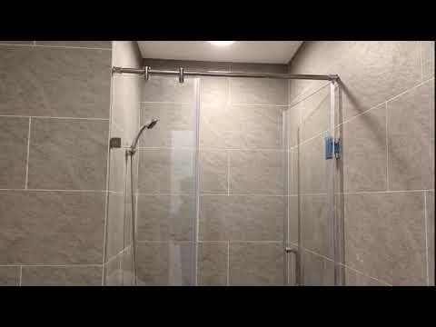 Kính ốp bếp - Kính Phòng Tắm + Kính ốp bếp Màu Xanh Lơ Thi Công Tại 53 Triều Khúc