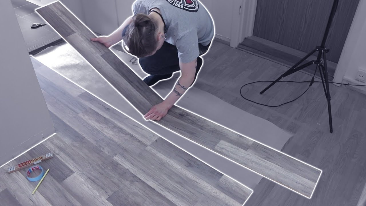 Laying wooden floor tiles in a hallway youtube dailygadgetfo Image collections