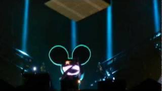Deadmau5's singing head. [1080p HD]