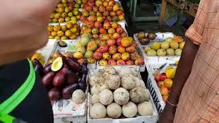 Рынок в Коломбо Шри-ланка и Буддийский храм