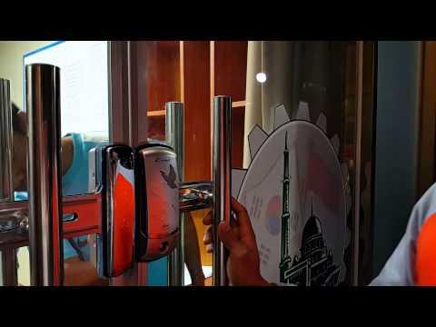 Pintu mushola