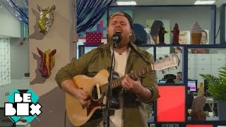 Tom Walker - Wonderwall (Oasis cover) (live) | BeBox Live Sessions