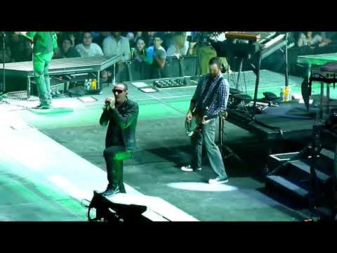 Linkin Park - From The Inside (Madison Square Garden 2011) HD