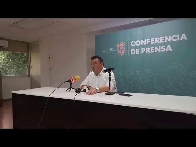 Renuncia Medina Farfán a la SEDUC